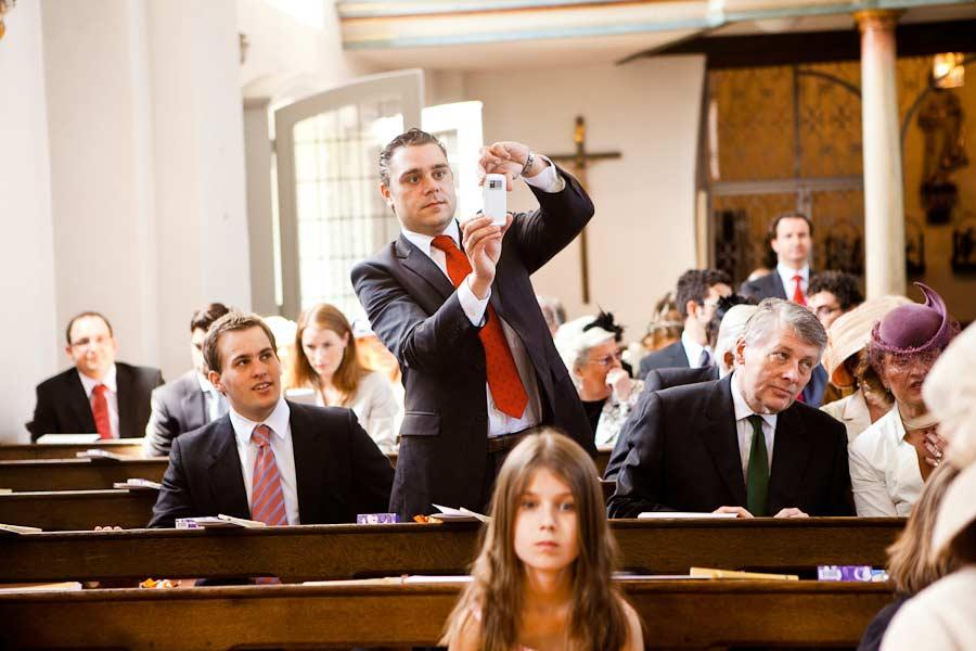 Gäste in der Kirche