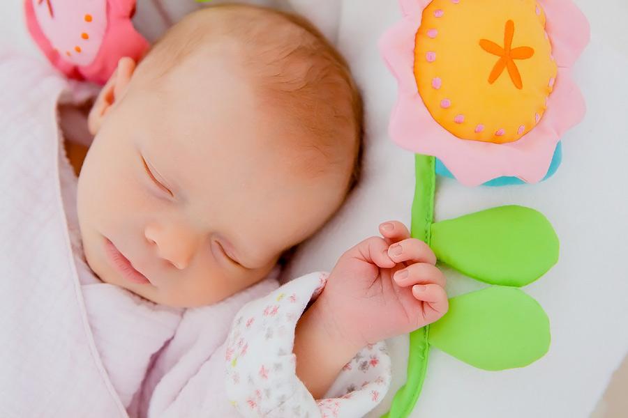Neugeborenenfotografie-Flora1