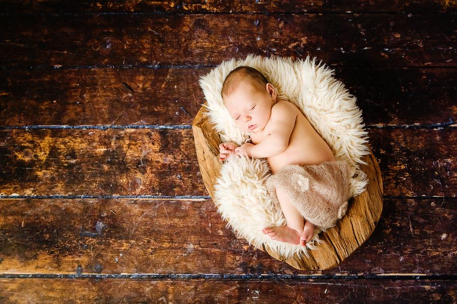 zarte Neugeborenenfotografie
