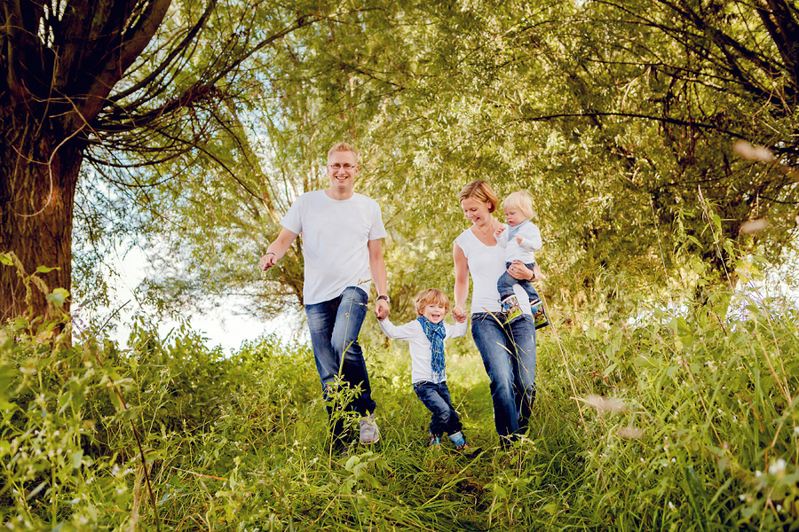 Familienfotos in der Wiese