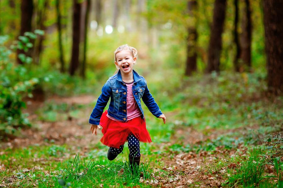 lachendes Kind, exzellente Kinderfotografie