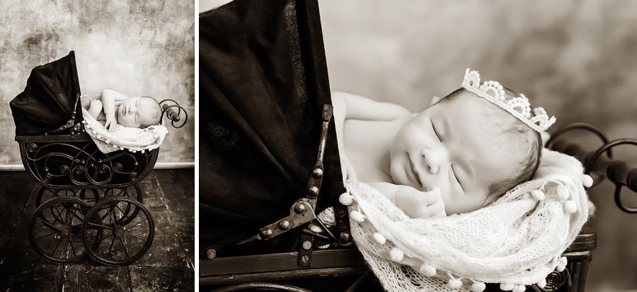 Baby im Puppenwagen