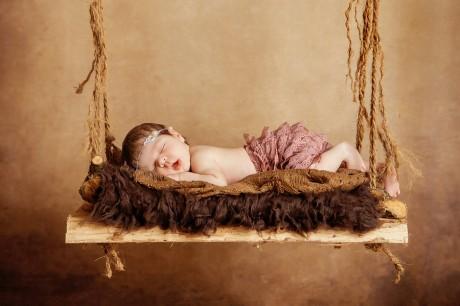 Neugeborenenfoto Schaukel