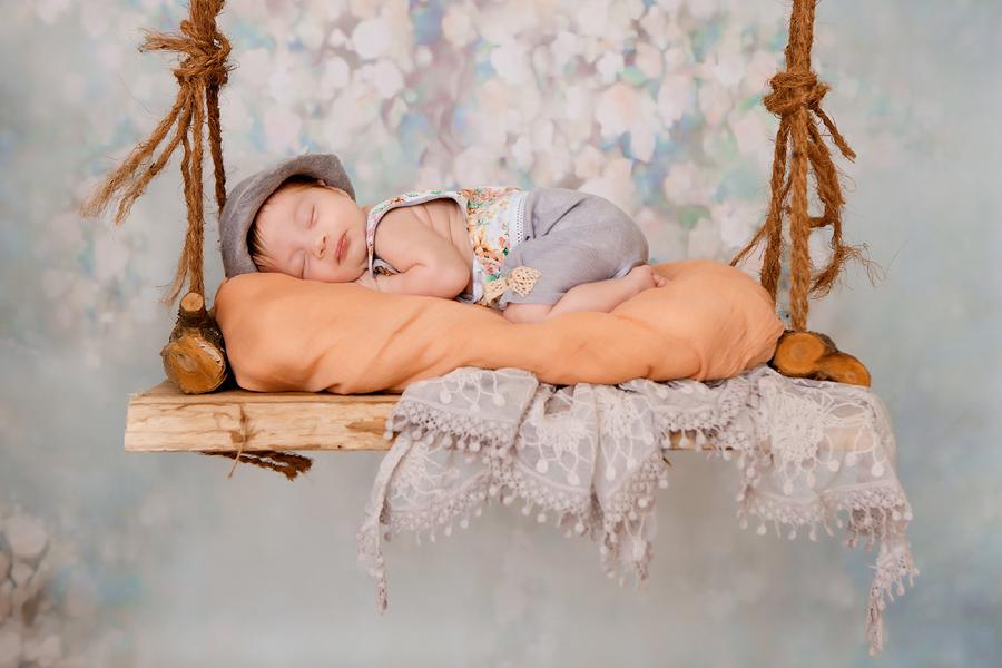 Baby auf Schaukel, Fotoshooting Paderborn