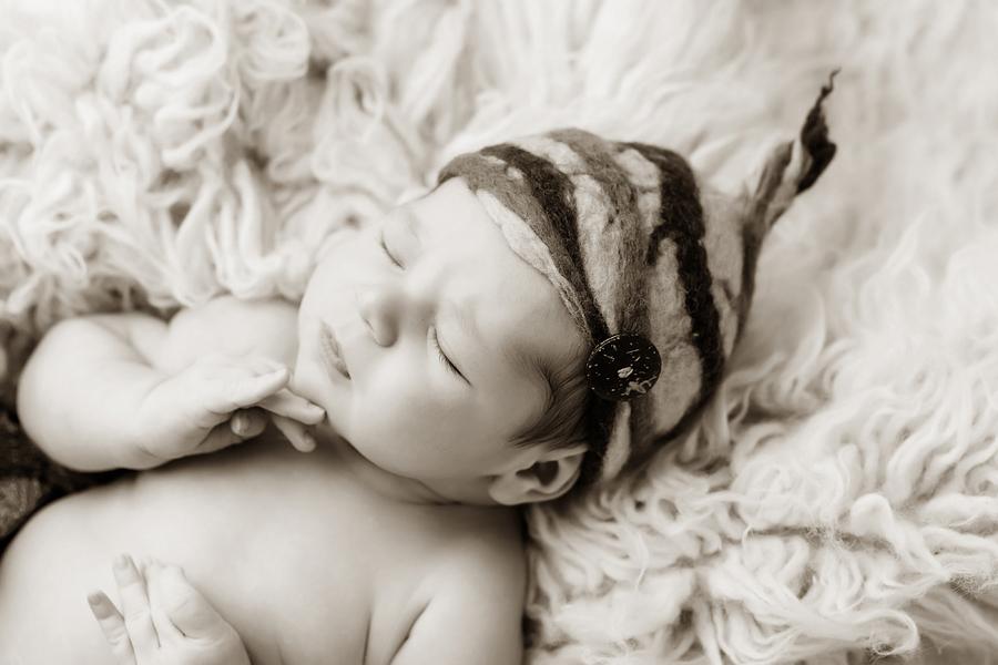 Neugeborenen-Fotoshooting-Ideen-Ann-Geddes-Paderborn-Wynn Photodesign-Ferdinand-17