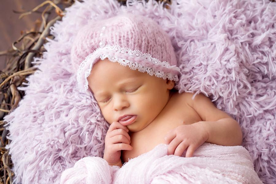 professionelle Neugeborenenfotos, zeitlose Babyfotografie