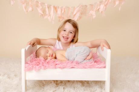 babyfotos_paderborn_babyfotograf_bielefeld_neugeborenenfotoshooting_geschwisterfotos-Merle15