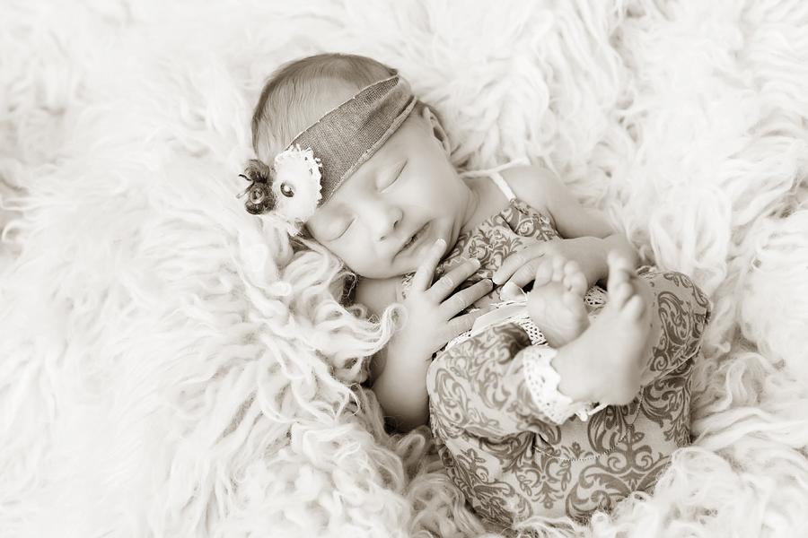 babyfotos_paderborn_babyfotograf_bielefeld_neugeborenenfotoshooting_ann_geddes-Hanna2