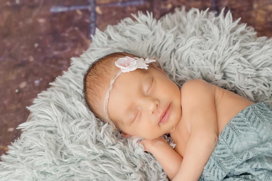 babyfotos_paderborn_babyfotograf_bielefeld_neugeborenenfotoshooting_ann_geddes-Hanna5