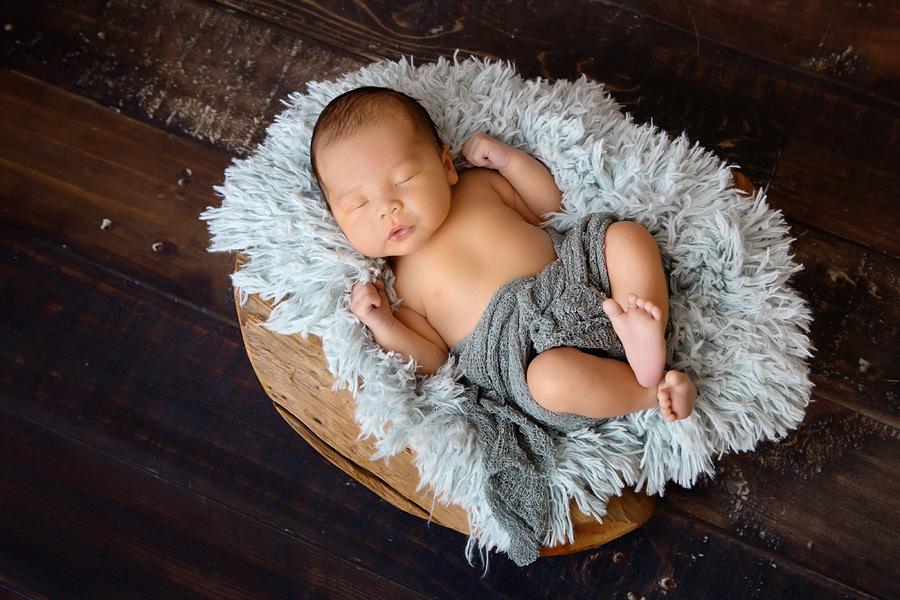 Fotograf paderborn neugeboren babyshooting negeborenenshooting paderborn maximilian-13