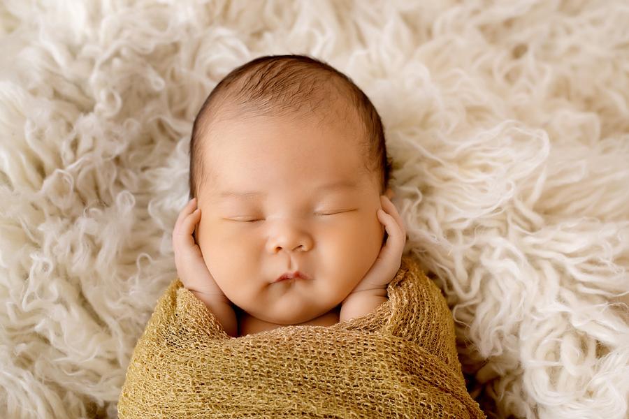 Fotograf paderborn neugeboren babyshooting negeborenenshooting paderborn maximilian-6