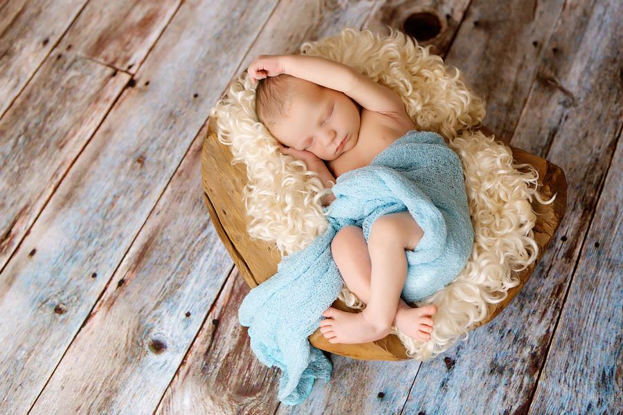 Fotograf paderborn neugeboren babyshooting negeborenenshooting paderborn Justus-17