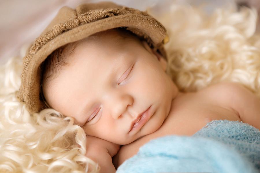 Fotograf paderborn neugeboren babyshooting negeborenenshooting paderborn Justus-18