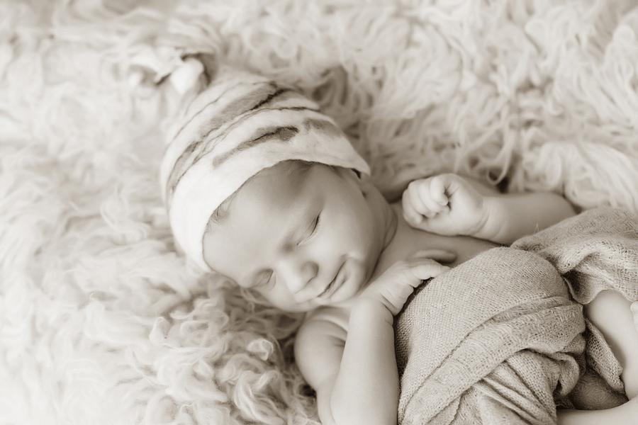Fotograf paderborn neugeboren babyshooting negeborenenshooting paderborn Justus-7