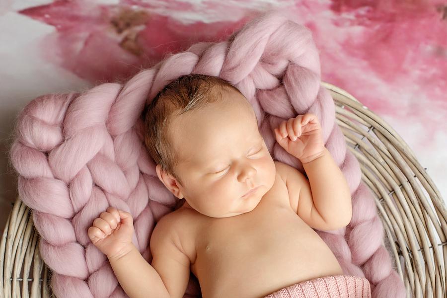 neugeborenenfotos babyfoto paderborn baby fotoshooting paderborn wynn photodesign mathilda babyfotograf-16
