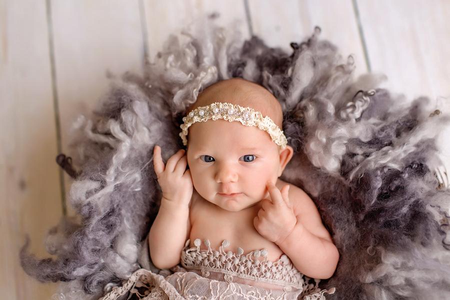 neugeborenenfotos babyfoto paderborn baby fotoshooting paderborn wynn photodesign marlene babyfotograf-10