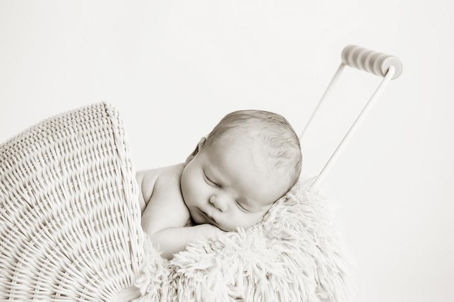 neugeborenen-fotoshooting-paderbornbabyfotos-bielefeld-babyfotoshooting-nick-5