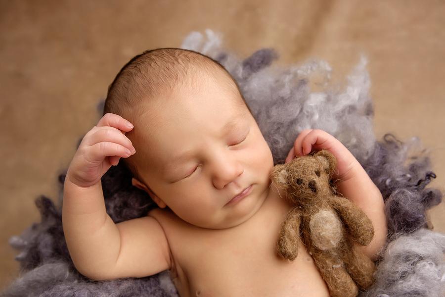 neugeborenen-fotoshooting-paderbornbabyfotos-bielefeld-babyfotoshooting-noah-13