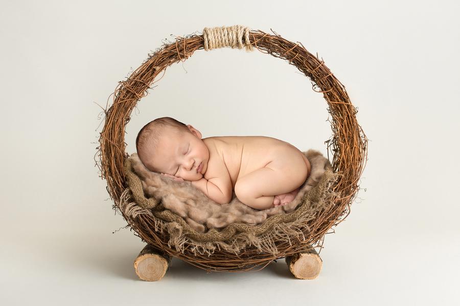 neugeborenen-fotoshooting-paderbornbabyfotos-bielefeld-babyfotoshooting-noah-15