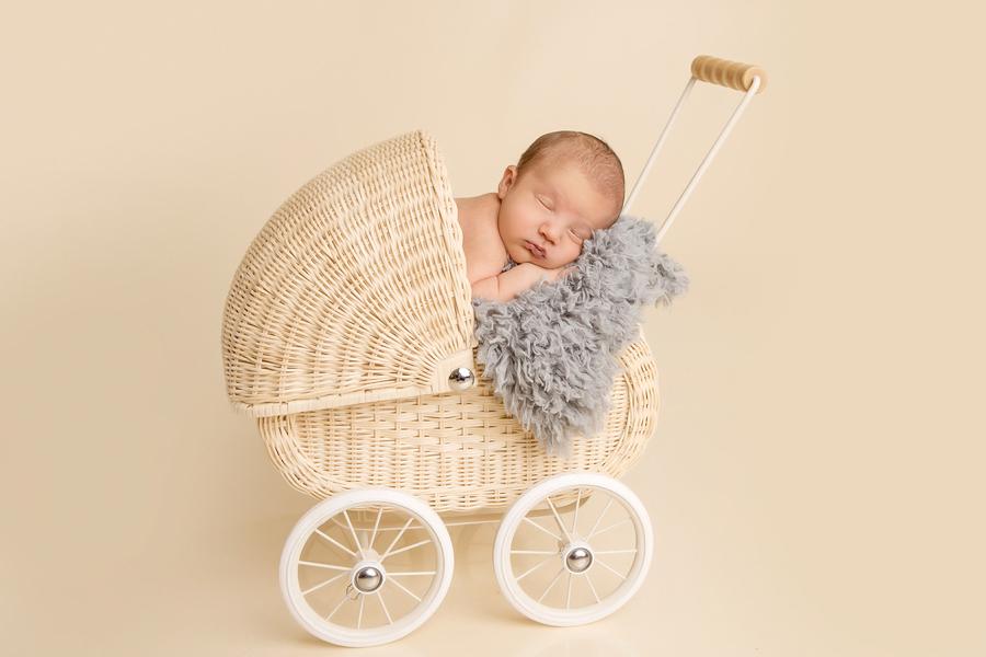 neugeborenen-fotoshooting-paderbornbabyfotos-bielefeld-babyfotoshooting-noah-3