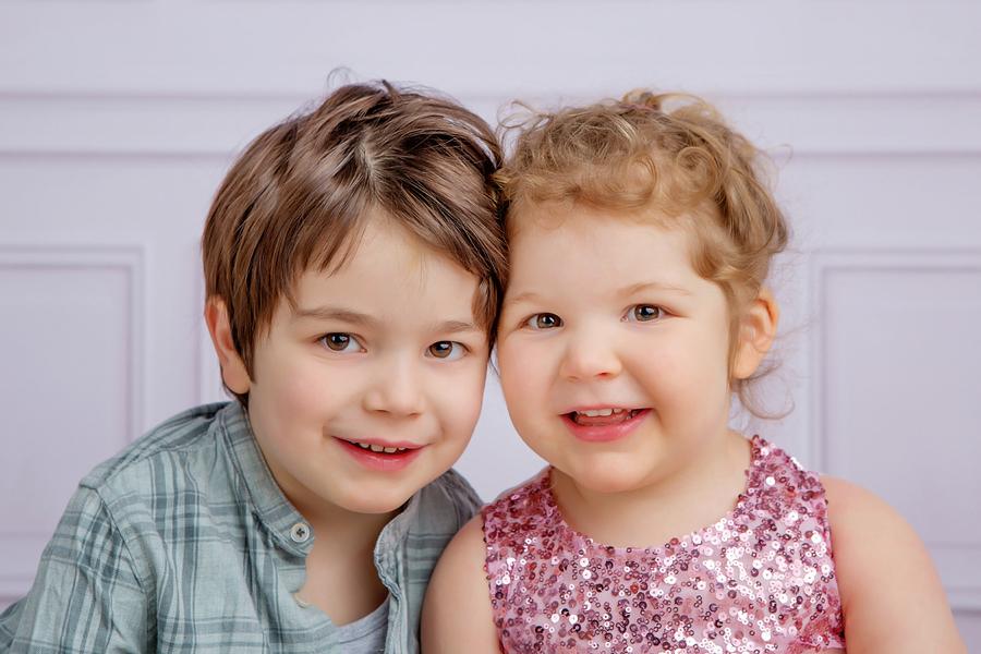 Familien Fotoshooting, Geschwister Fotofraf, Fotograf Paderborn, Neugeborenenshooting, Leon-7