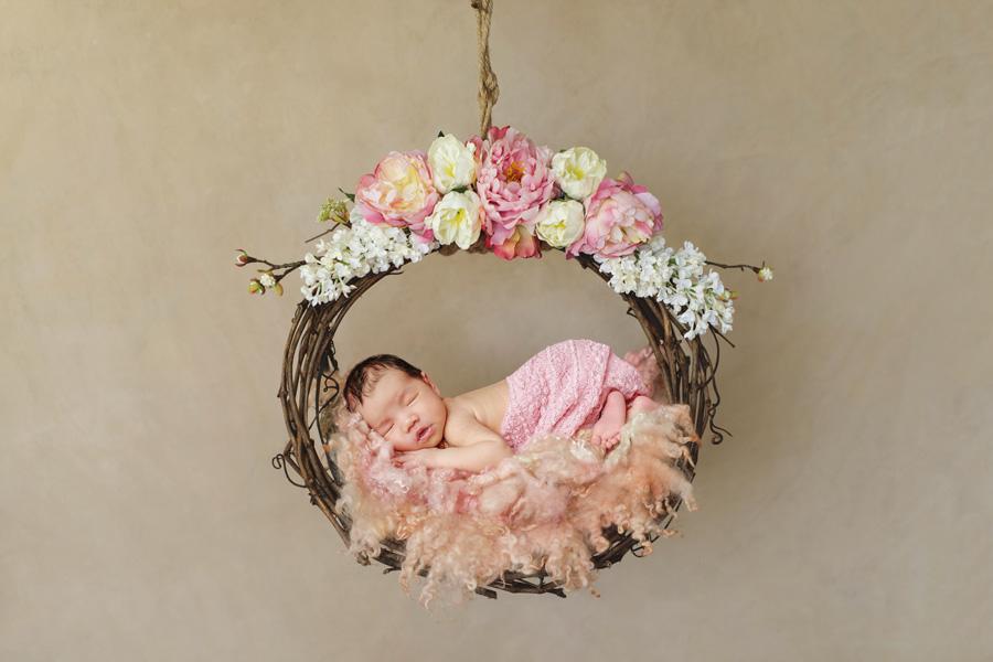 Babyfotoshooting Neugeborenenfotos Babyfotograf Paderborn Bilder vom Neugeborenen Fotostudio natürliche Babyfotos Ann Geddes Wynn Photodesign-15