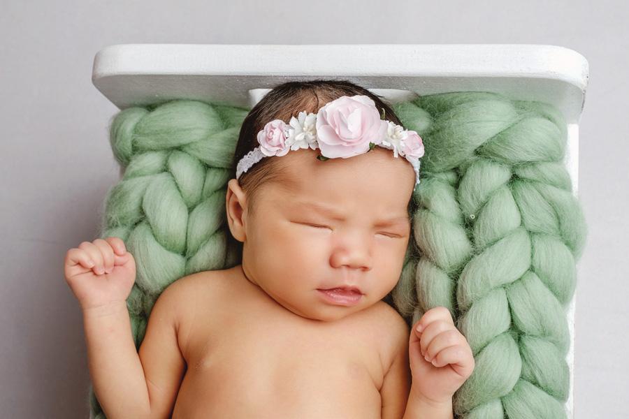 Babyfotoshooting Neugeborenenfotos Babyfotograf Paderborn Bilder vom Neugeborenen Fotostudio natürliche Babyfotos Ann Geddes Wynn Photodesign-7