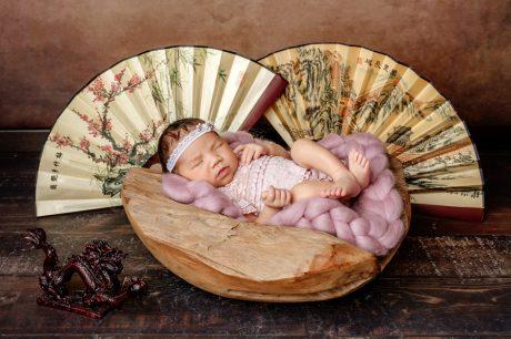 Babyfotoshooting Neugeborenenfotos Babyfotograf Paderborn Bilder vom Neugeborenen Fotostudio natürliche Babyfotos Ann Geddes Wynn Photodesign-8