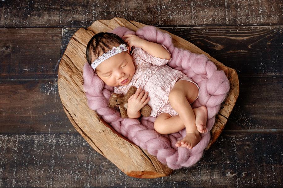 Babyfotoshooting Neugeborenenfotos Babyfotograf Paderborn Bilder vom Neugeborenen Fotostudio natürliche Babyfotos Ann Geddes Wynn Photodesign-9