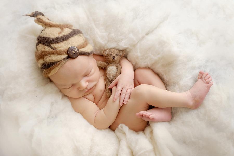 Fotograf Bielefeld, schlichte Babyfotografie, stillen, fotograf-Bielefeld,Babyfotograf, Babyfotoshooting, Hebamme Paderborn, Wynn Photodesign