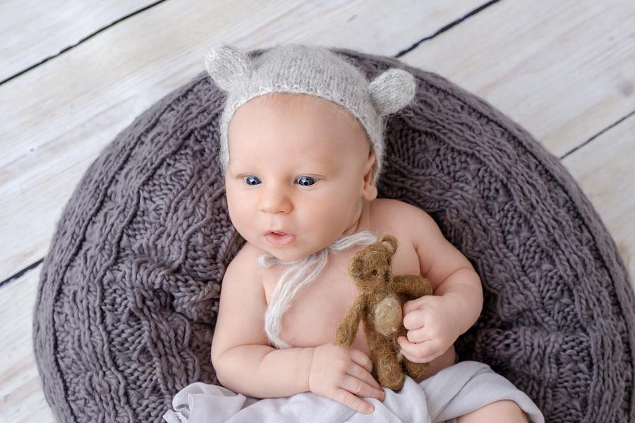 Fotograf Paderborn, schlichte Babyfotografie, stillen, fotograf-Bielefeld,Babyfotograf, Babyfotoshooting, Hebamme Paderborn, Wynn Photodesign